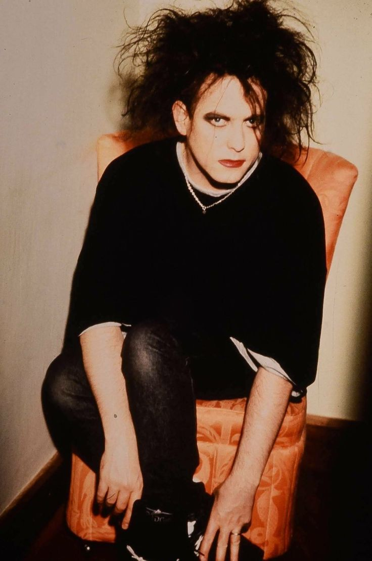 Perry bamonte stock photos and pictures getty images - Robert Smith