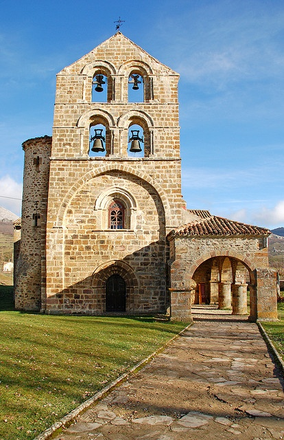 San Salvador de Cantamuda Palencia Spain