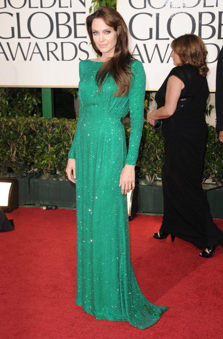 Pin for Later: Ist das Hochzeitskleid Angelina's bester Look von Versace? Angelina Jolie bei den Golden Globe Awards 2011