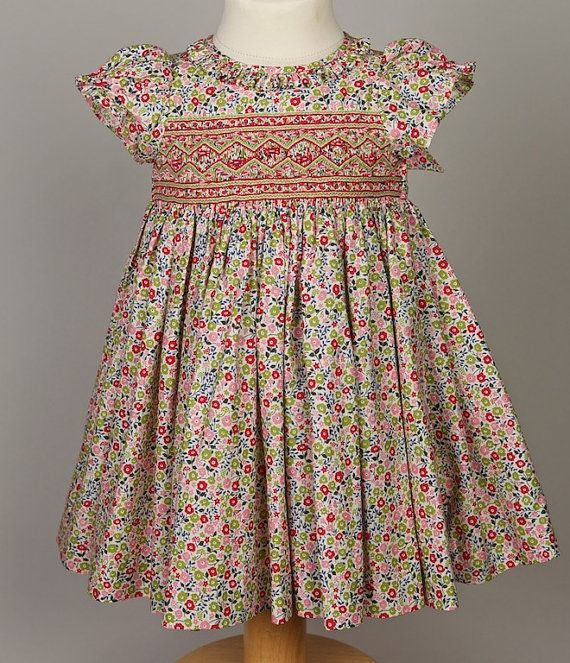 Spring / Summer smocked dress for Baby in Liberty por lileauxfees
