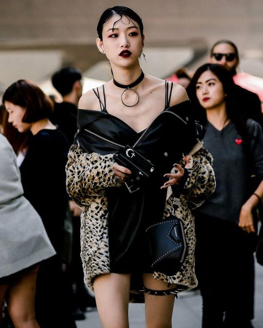 Street style: Choi Sora at SFW Spring 2017 by Ahn Hong Je