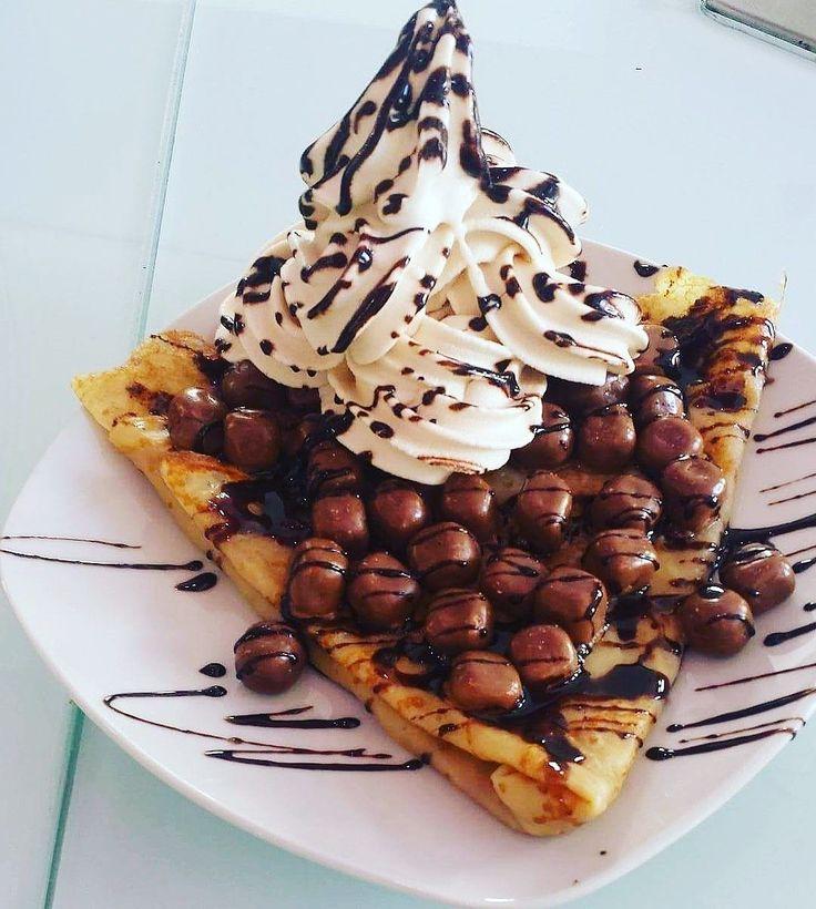 Com extra topping SFF 😚 #froyo #iogurtegelado #crepe #kitkat #chocolate #myiced