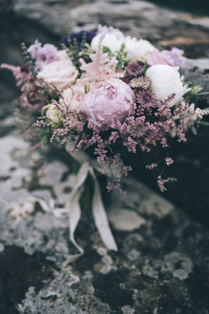 Purple peony bouquet | photography by @stefanosantucci