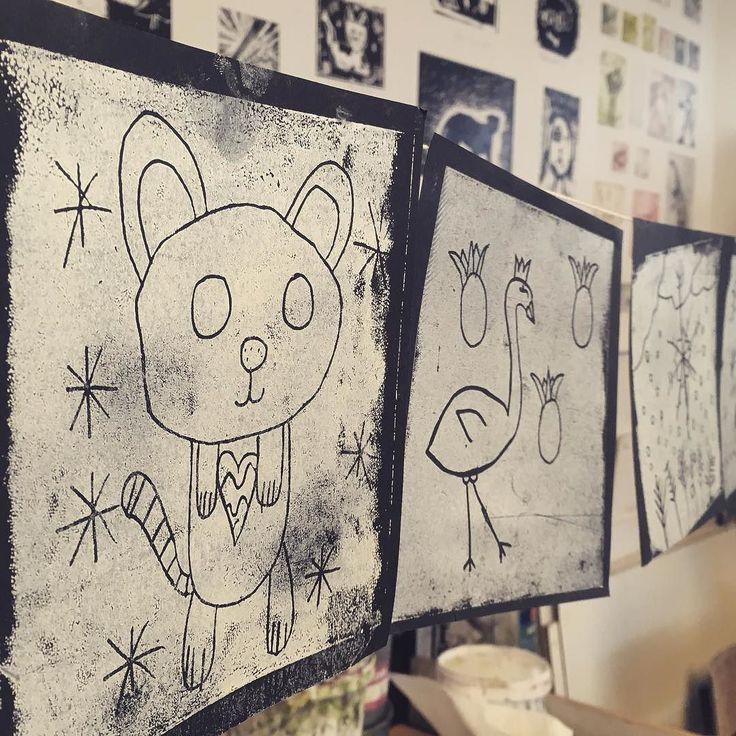 Świąteczny misio-kot? Koto-szop? ...? W naszej pracowni graficznej wszystko jest możliwe!  #encek #pracowniagraficzna #kulturakrk #merrychristmas #kto #mis #cat #bear #art #pocztowka #swieta #christmas #diy #handmade #kidsart