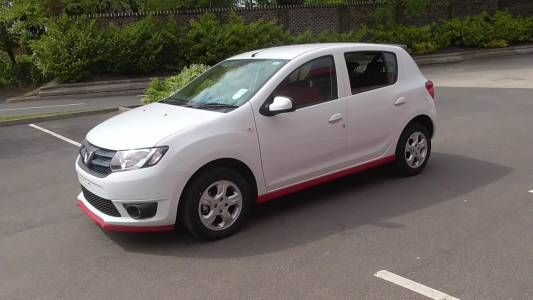 Used 2015 (15 reg) White Dacia Sandero 1.5 dCi Laureate 5dr for sale on RAC Cars