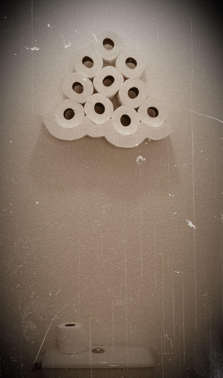 Je cherchais des idées pour un Support pour les rouleaux de papier WC! Ici je te livre une astuce pour une étagère avec support invisible.