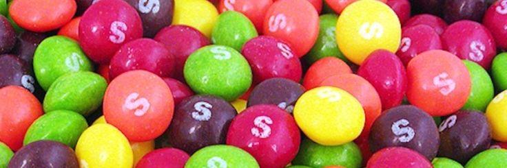 Waarom Amerikaanse boeren hun vee voederen met Skittles?