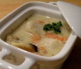 Cassolettes Saint Jacques à faire aussi avec un cocktail de fruits de mer surgelés et du boulghour...