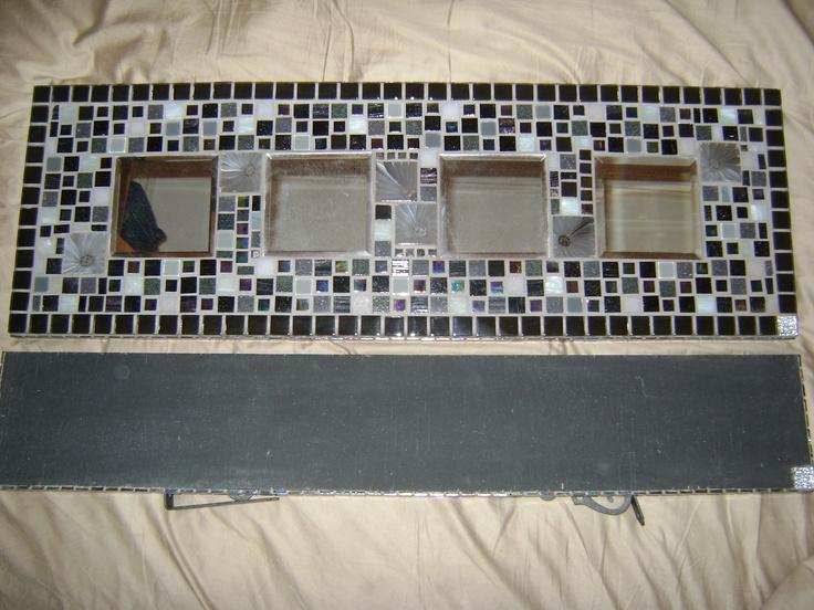 Mosaic - Carrés gris et fleurs