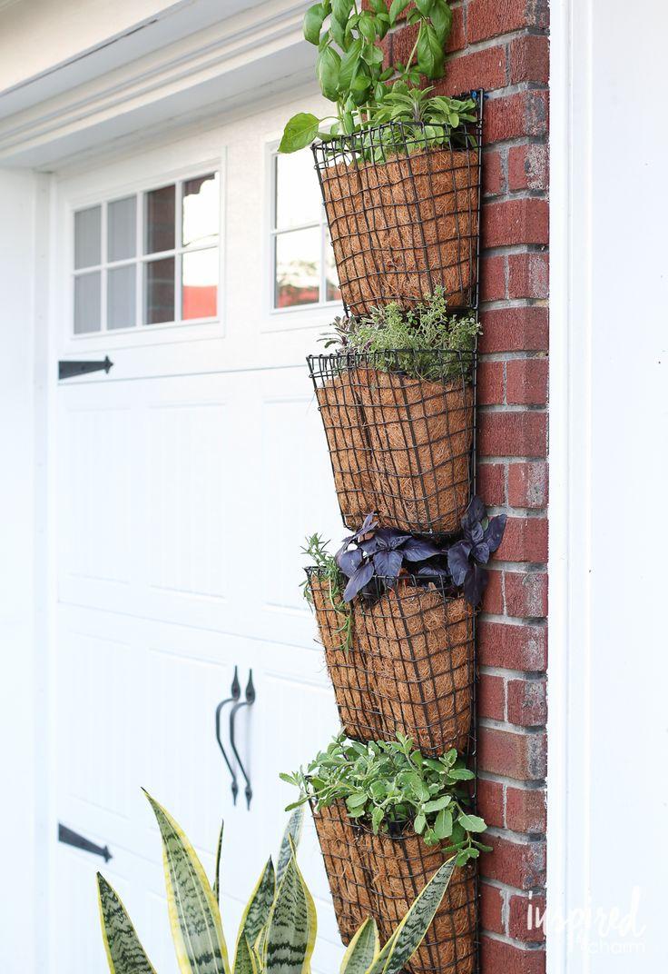 Best 25 vertical herb gardens ideas on pinterest pallet for Diy pallet herb garden