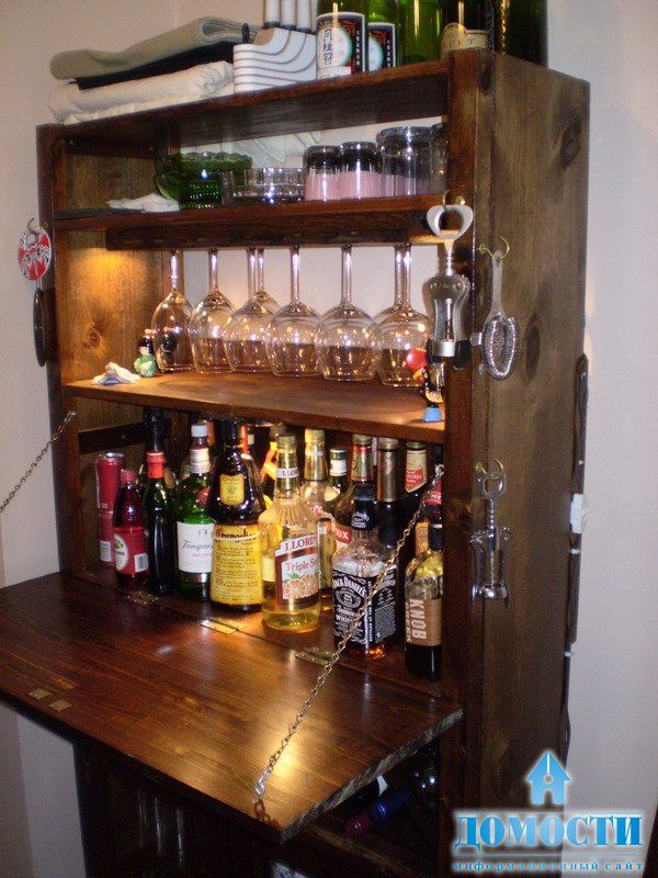 """Хорошая идея для того, кто уже решил отойти от совковской традиции """"бара в стенке"""". Теперь современный домашний бар выглядит именно так!"""