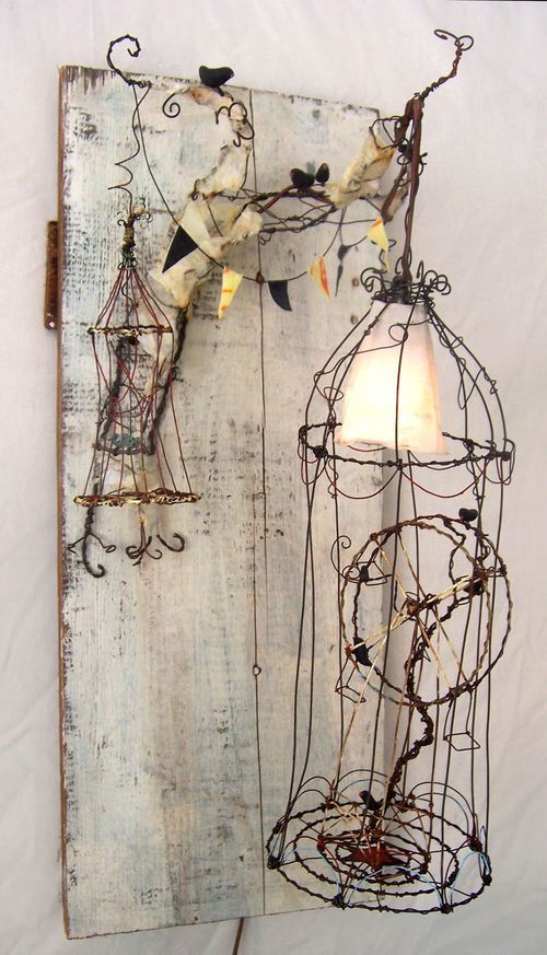 Wired art!Beautiful Birdcages, Wire Birdcages, Wire Work, Wire Art Sculpture, Wire Sculptures For Kids, Tammy Smith, Scary Movies, Abandoned Amusement Parks, Altered Bird Cages