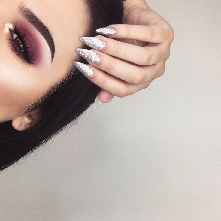"""A look created using the ABH modern renaissance palette ✨"""