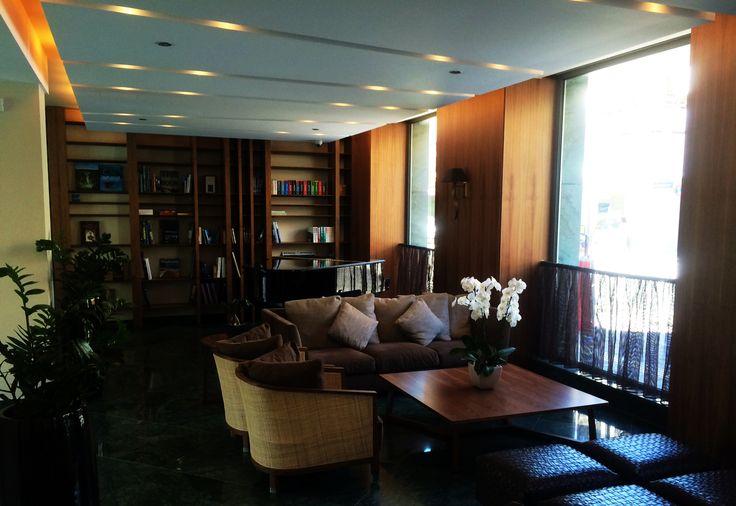 Library area inside Samaria hotel Chania.