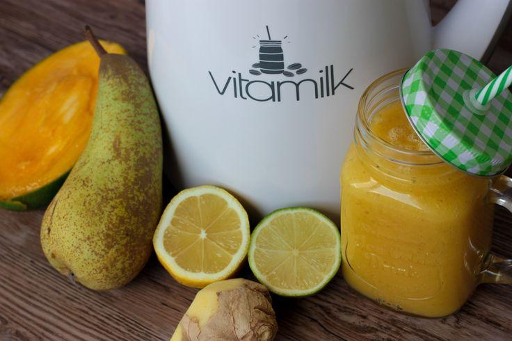 Všetky suroviny si dáme do vitamilku, (resp.mixéra) a stlačíme program sekanie ovocia. Trvá 2 minuty, stlačíme ešte raz.