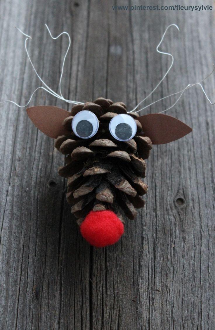 Petit renne pomme de pin. Bricolage enfant http://pinterest.com/fleurysylvie/mes-creas-pour-les-kids/