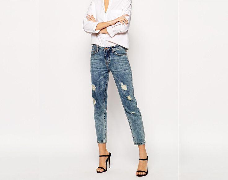 Articolul vestimentar care nu lipseste din garderoba oricarei femei sunt blugii. Va oferim o gama variata de blugi marca Miss Sixty, SUBLEVEL, Only, Vero Moda si multe altele. Comandati acum online: https://outmag.ro/blugi-dama-ieftini