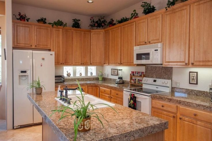 Kitchen oak kitchen cabinets with granite countertops for Alternative kitchen cabinets