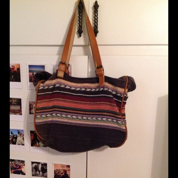 """Tribal print Zara bag 18"""" long by 14"""" tall. Great condition Zara bag. Canvas with lather straps Zara Bags"""