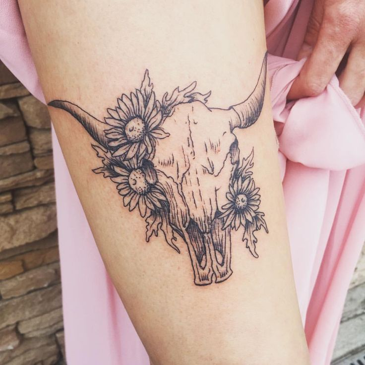 "233 Likes, 4 Comments - Molly Vee Tattoos (@ladywolly) on Instagram: ""Lovely longhorn for a lovely client! Thanks @daphneblue !"""