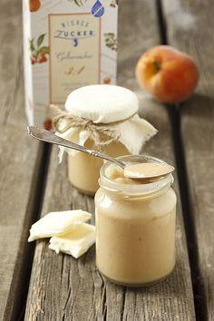 Pfirsichkonfitüre mit weißer Schokolade