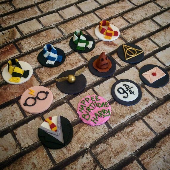 Harry Potter Fondant Cupcake Toppers: Set of 12 (MADE TO ORDER)