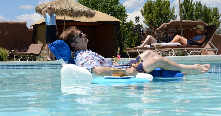 'Better Call Saul' Season 2 Gets a Premiere Date & New Photos -- AMC's hit new series 'Better Call Saul' will return with its second season in February 2016, with two new photos surfacing as well. -- http://movieweb.com/better-call-saul-season-2-premiere-february-2016-photos/