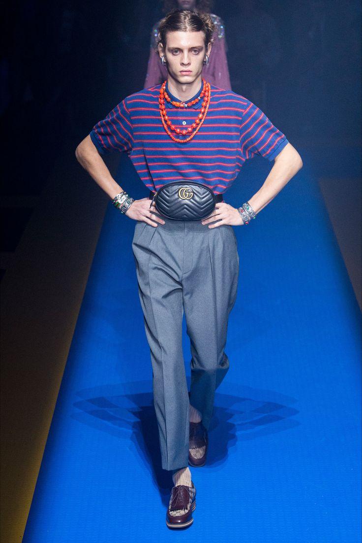 Sfilata Gucci Milano - Collezioni Primavera Estate 2018 - Vogue