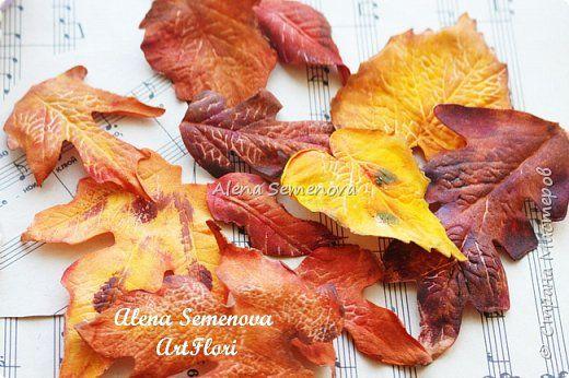 Осень — это вторая весна, когда каждый лист — цветок.  Альбер Камю.  Мой новый мастер-класс по изготовлению осенних листьев из фоамирана. фото 15