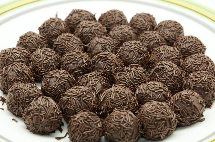 Bomboane de ciocolată cu rom | Retete culinare - Romanesti si din Bucataria internationala