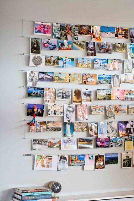 Réutiliser ses cartes postales ou ses photos pour faire un mur-tableau à changer selon son humeur, selon les saisons.... / Picture wall