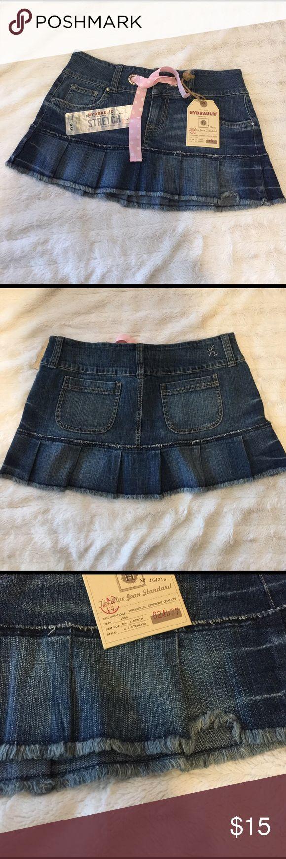 NWT Hydraulic Jean Skirt🌟 Super cute NWT hydraulic jean skirt, thanks for looking 😊 Hydraulic Skirts Midi