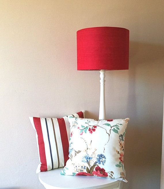 Floreale 2 e cuscino spogliato, shabby chic cuscino, fiori rossi, elegante cuscino, cuscino di paese, fatto a mano in Italia copre cuscino cuscino