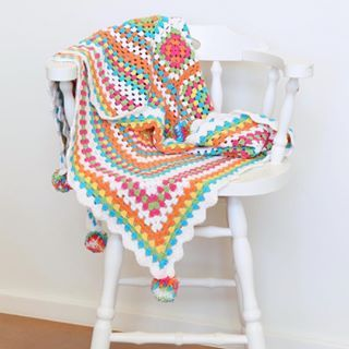 I really want to show you a picture of a commission that I've just finished, but I'm not allowed so here's a new shot of my old granny blanket instead  #tbt