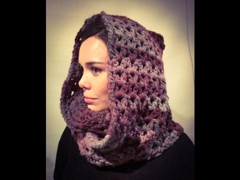 Tutorial de un rápido cuello con capucha, hecho a crochet / ganchillo, con punto V, rápido y fácil. Se necesitan 300 gr de lana gruesa, para dar dos vueltas....