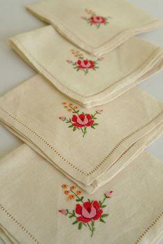 Vintage Embroidered Linen Napkins - Roses.