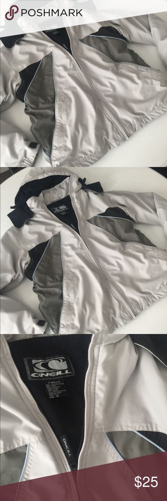 O'Neill ski/snow jacket! Size Medium O'Neill ski/snowboard jacket! Insulated. Hood. Size Medium. White, gray and black in color! Please note slight wear/ stain on left arm (it's on the backside of the arm) as shown in picture. O'Neill Jackets & Coats