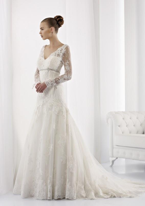 Collezione abiti da sposa #Jolies, abito da #sposa modello JOAB13021IV