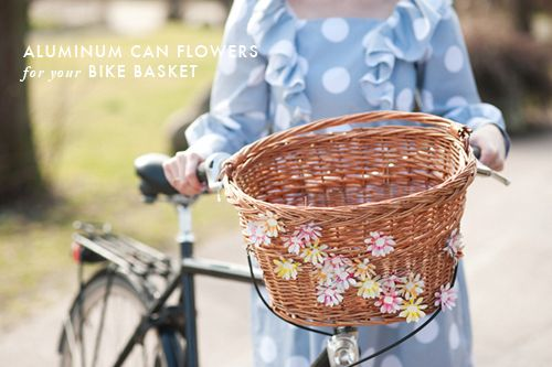 The House That Lars Built.: On My Basket: Aluminum can flowers for spring