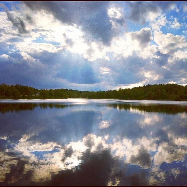 #yxtaholm #sweden #castle #lake #sunrise #sunset - @americanviking- #webstagramSunris Sunsets, Lakes Sunrises, Sunrises Sunsets