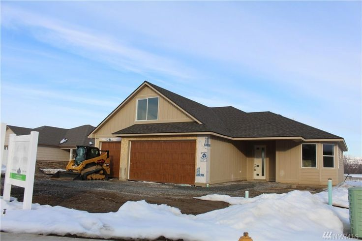 Another amazing masterpiece by Lange Construction! Great room open floor plan with fireplace featuring full brick design, floating shelving and built-ins. Hardwood flooring in entry, hallway, kitchen and living rooms. Spacious kitchen with slab granite, premium custom cabinetry and stainless steel appliances. Master bedroom separation for office/sitting room/nursery. Master bath features extensively tiled shower, slab granite  designer fixtures. Large level lot, 3 car garage and RV parking…