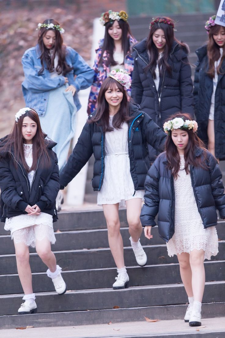 Lovelyz~ Proud of them and Wooliment for their fist girl group! Lovelyz fighting!