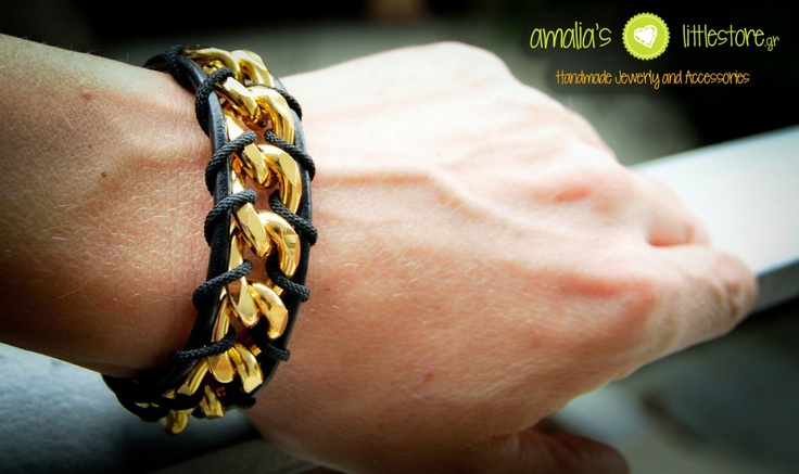 Handmade bracelet with gold plated chain and black leather!
