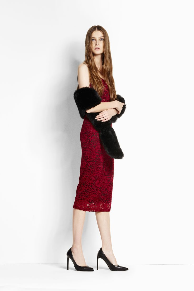 Party dress! Tubino Crochet rosso rubino: prezioso e seducente. #OVS #OVSaw15