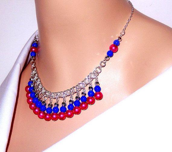 Collar azul y rosa, timón chainmaille perla collar, collar babero para mujeres, niñas, novia, fiesta, mamá, regalos de Navidad, regalos de cumpleaños DETALLES DEL ARTÍCULO *** COLOR---Plata, azul, rosa ESTILO---Collar moldeado timón chainmaille TAMAÑO---Este collar mide 18 de longitud, pero puede ser alargado hasta 20 en longitud. Asegúrese de seleccionar la longitud deseada antes de check-out. MATERIALES---Rosa perlas de vidrio, perlas de vidrio azul 6mm, calibre 20 6mm plata plateado ...