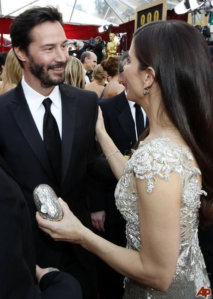 Sandra Bullock & Keanu Reeves --- Love love love these two people! (chicfoo) keanu and sandy