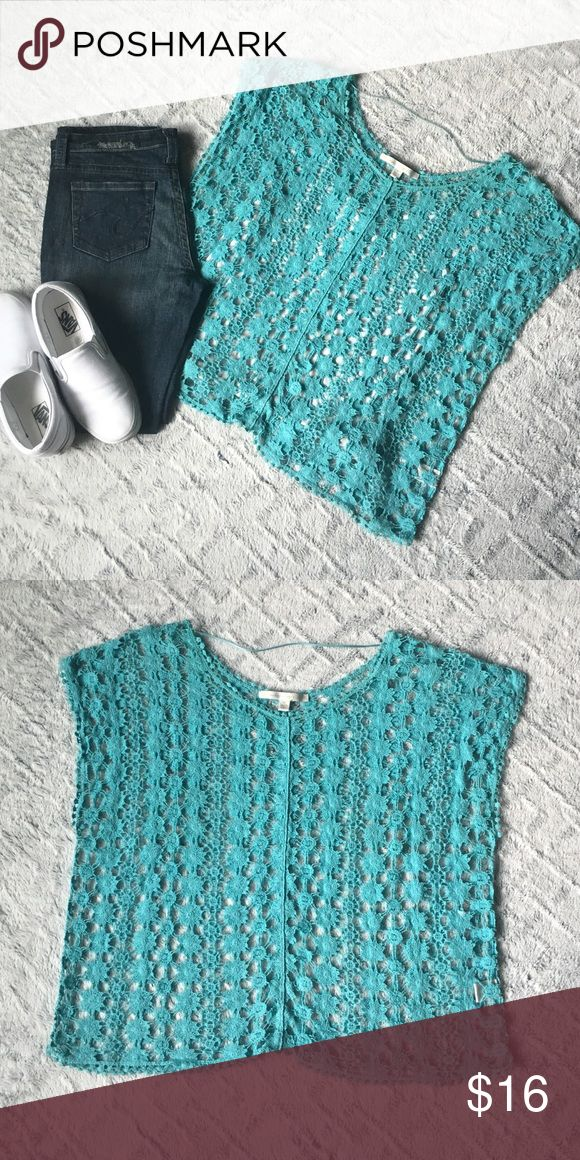 LC Lauren Conrad Crochet Top Perfect with a white tank underneath and some jeans! Turquoise crochet short sleeve top! LC Lauren Conrad Tops