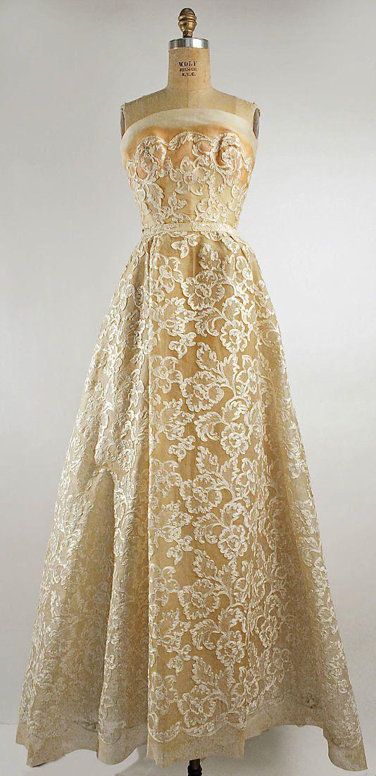 Dior 'Phyllis' Dress - SS 1953 - House of Dior Design by Christian Dior (French, 1905-1957) - Cotton, silk #retro #partydress #romantic #feminine #fashion #vintage #designer #classic #dress #highendvintage
