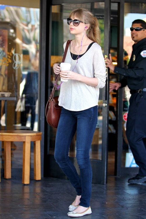 Taylor Swift Fashion Style - pretty much me. Skinny jeans top + jumper and some flats or sand shoes.