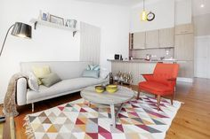 Un salon coloré et design
